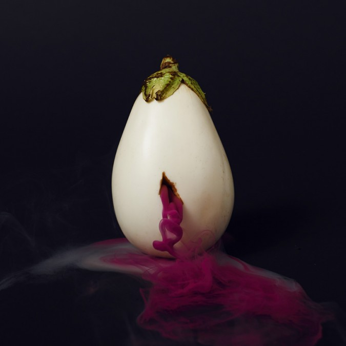 maciek-jasik-secret-lives-of-fruits-vegetables-designboom-05